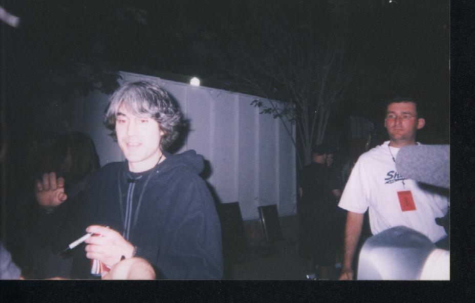 2003.04.26.away.signing