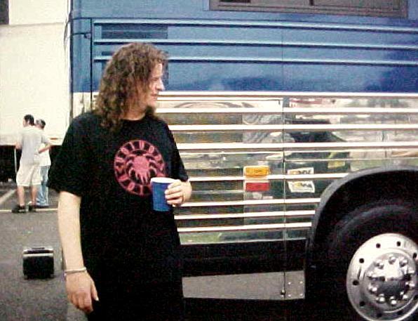2003.08.07-Snake-TourBus